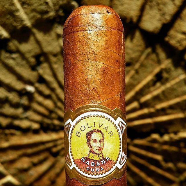 Bolivar Coronas Gigantes Cuban Cigar Vitola